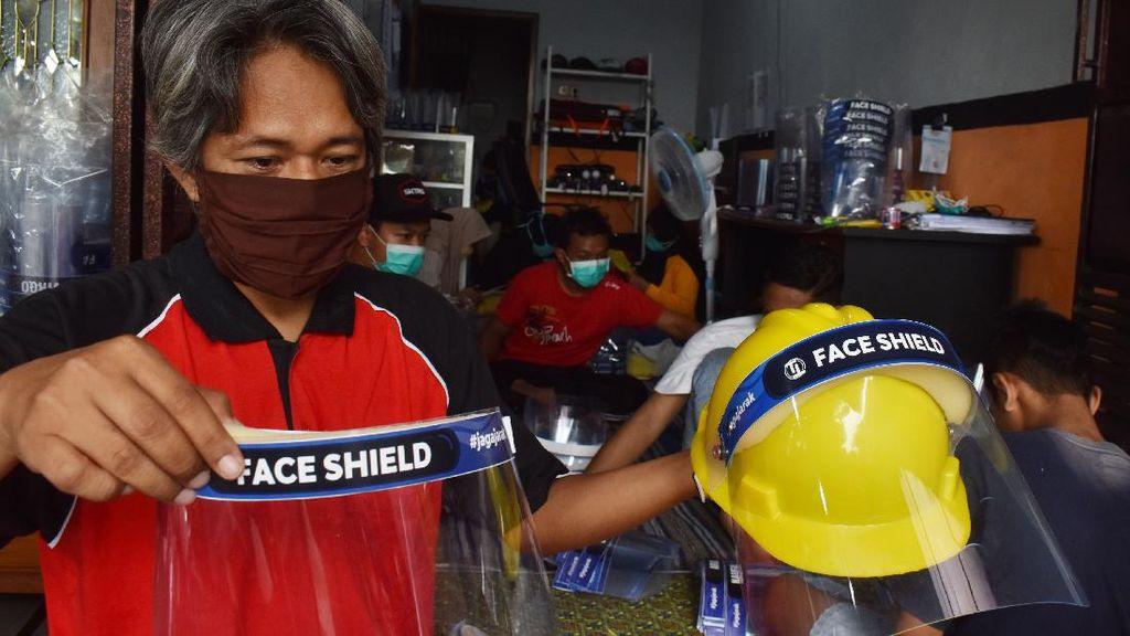 Geliat Industri Pelindung Wajah Rumahan di Saat Pandemi