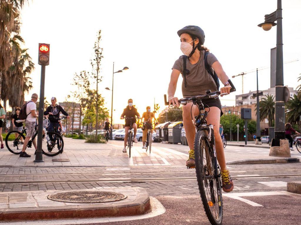 3 Juni Hari Sepeda Sedunia, Ini Panduan Gowes Aman di Era New Normal