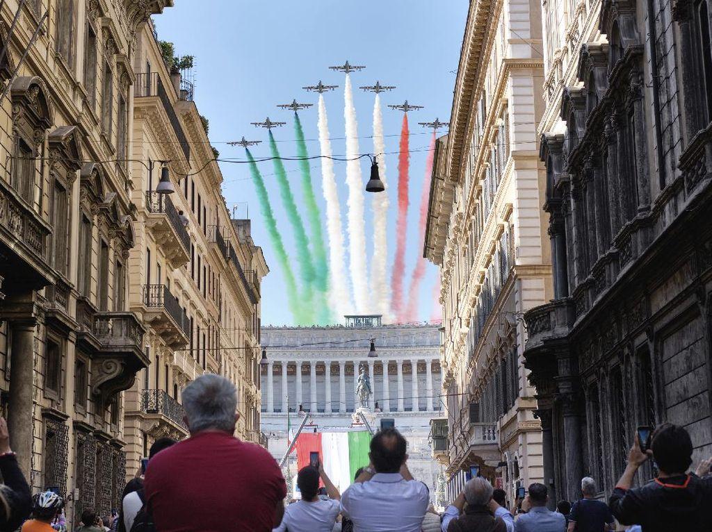 Indahnya Warna-warni di Langit Italia