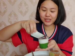 Review Makanan Kocak ala Netizen Lulusan Teknologi Pangan Ini Curi Perhatian