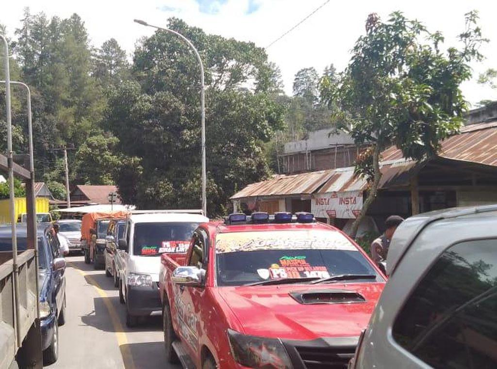 Ada Pemeriksaan COVID-19, Pedagang Tertahan di Perbatasan Enrekang-Toraja