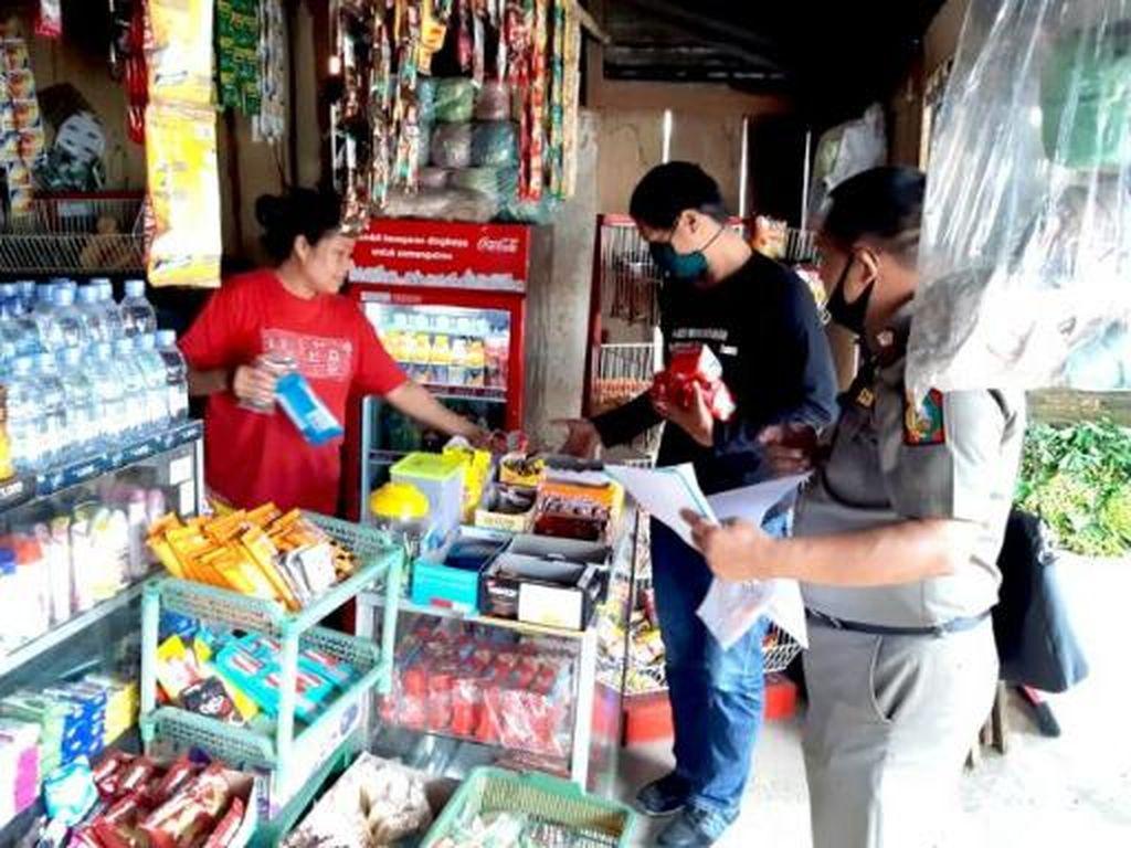 Dampak Corona, Produk Makanan Kedaluwarsa Disita dari Kios-kios di Tana Toraja