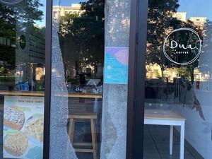 Dua Coffee Jadi Sasaran Demo di Washington hingga Daging Sapi Bertuliskan Lafaz Allah
