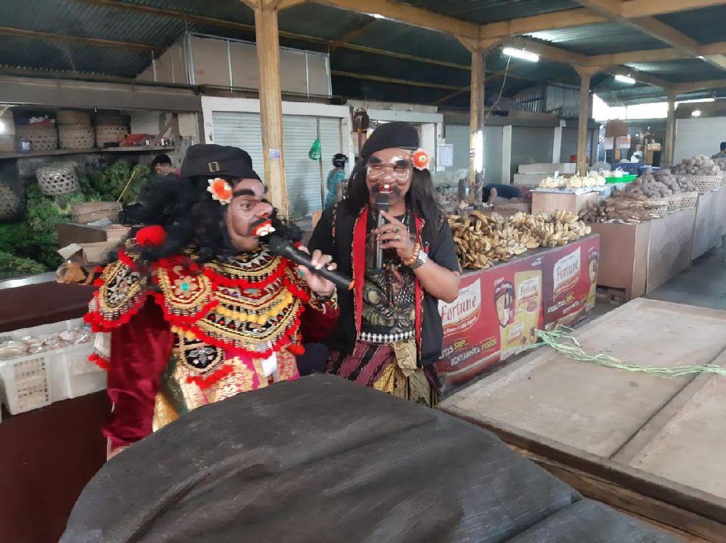 Unik! Satgas COVID-19 di Denpasar Sosialisasi New Normal Pakai Kostum Bondres