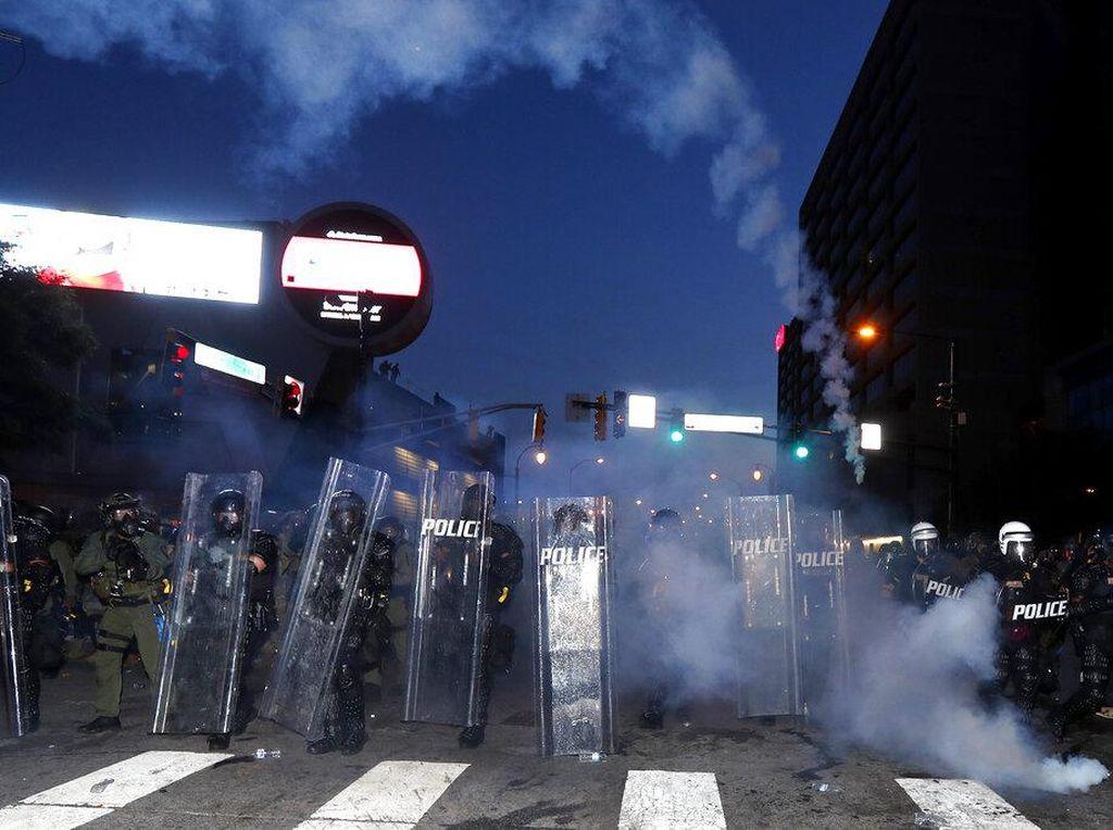 Kemlu: Demo Floyd Terjadi di 140 Kota di AS, WNI Diimbau Tak Keluar Rumah