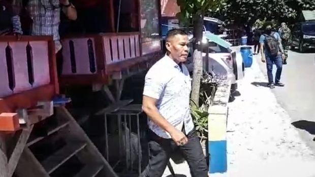 Pecatan TNI Ruslan Buton
