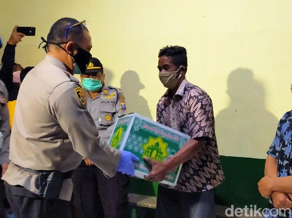 Pria yang Renang di Kawah Ijen Evakuasi Jenazah Temannya Dapat Penghargaan