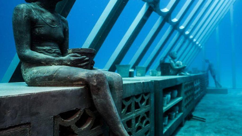 Penampakan Museum Bawah Laut yang Bak Atlantis