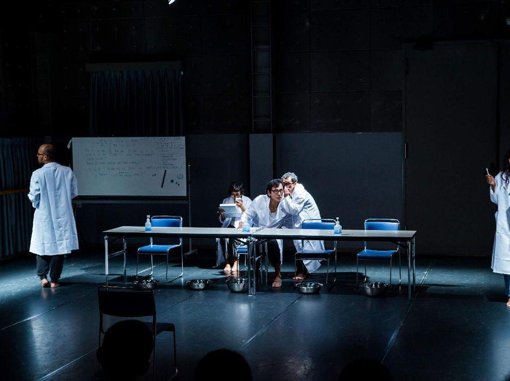 Pentas Kolaborasi Teater Multitude of Peer Gynts Diundur ke September 2020