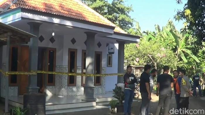 Aksi pelemparan bondet atau senjata sejenis bom ikan kembali terjadi di Kabupaten Pasuruan. Murtado (27), warga Desa Lemahbang, Kecamatan Pasrepan tewas mengenaskan dengan luka parah di kepala.