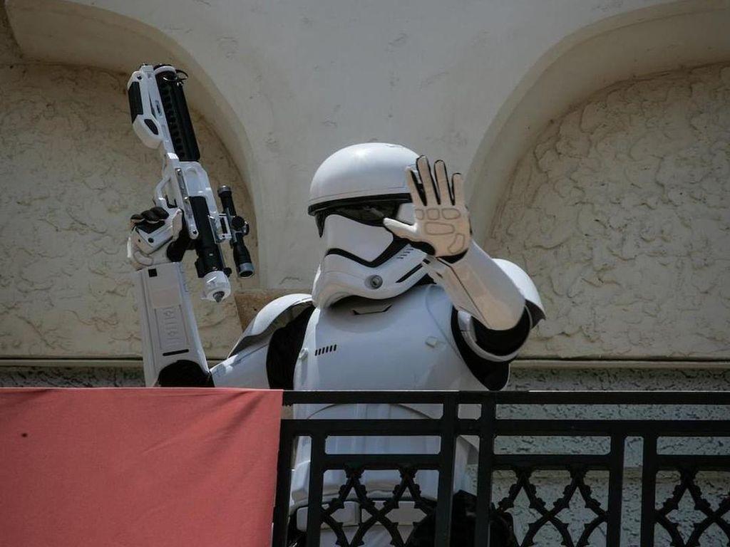 Terapkan Jarak Sosial, Disney Kerahkan Prajurit Star Wars