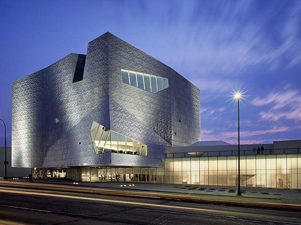 Pertama di AS, Pusat Seni Minneapolis Putus Kontrak dengan Polisi