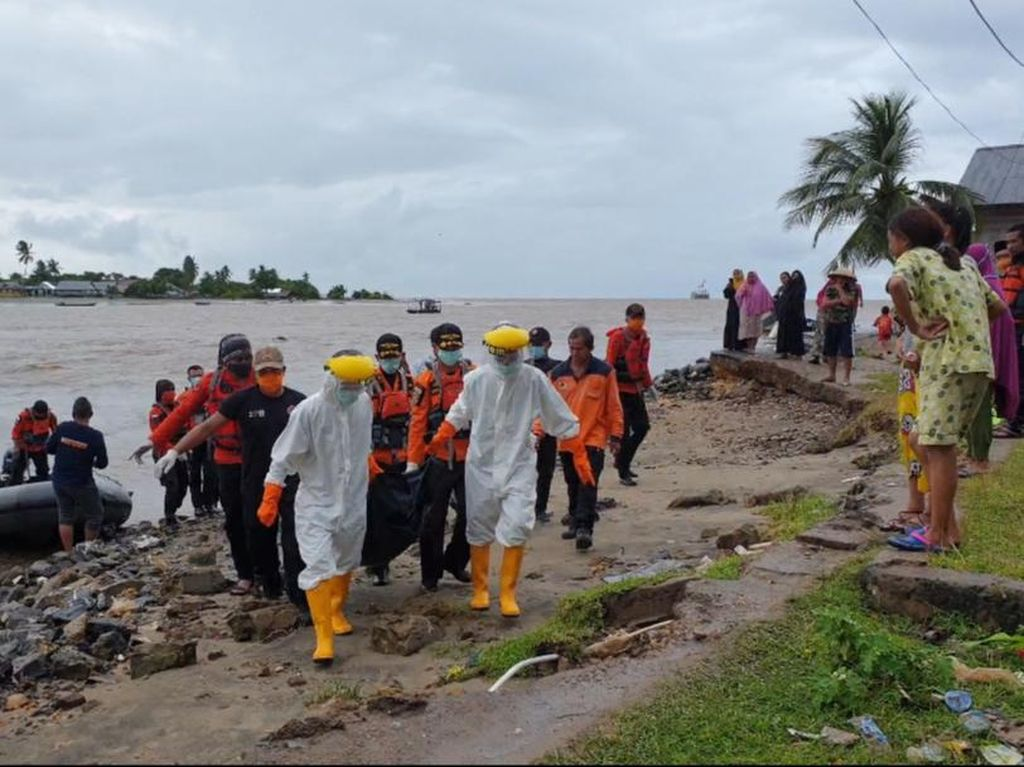 Tenggelam Saat Perbaiki Kapal Tongkang, Pria di Sultra Ditemukan Tewas
