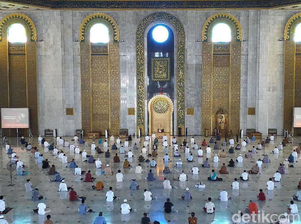 Masjid Al Akbar Surabaya Akan Gelar Salat Idul Fitri, Kuotanya 15 Persen