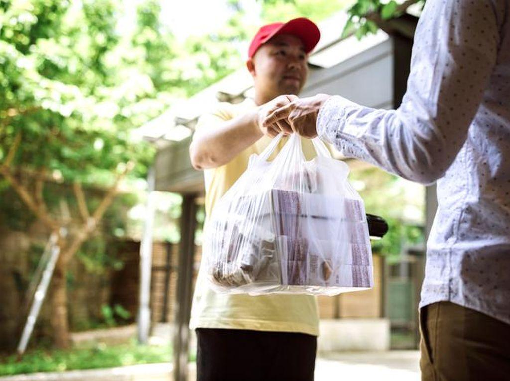 AirAsia Mau Bisnis Ojol Antar Makanan, Sanggup Saingi Gojek/Grab?