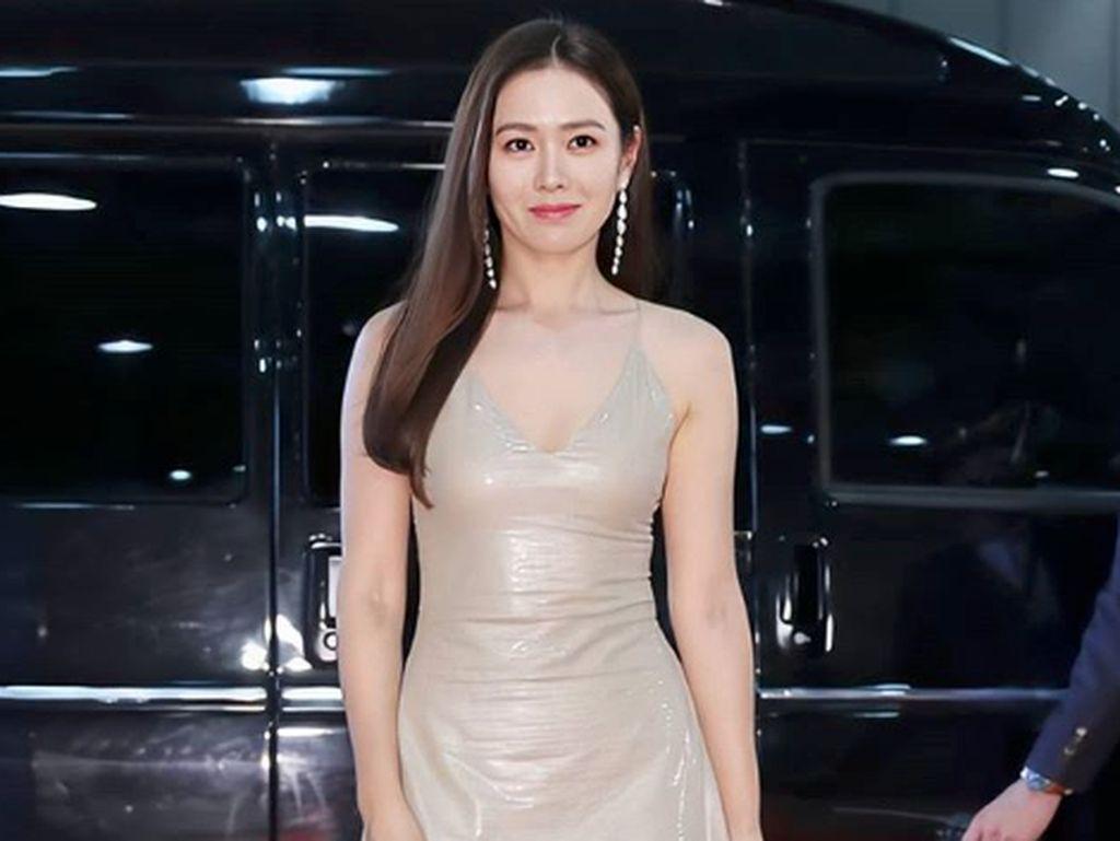 Son Ye Jin Terpilih Sebagai Perempuan Paling Cantik Sedunia
