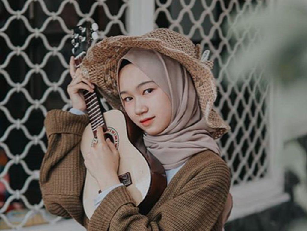 Klip Kekeyi Viral, Netizen Salah Fokus ke Model Cantik yang Disebut Lepas Hijab