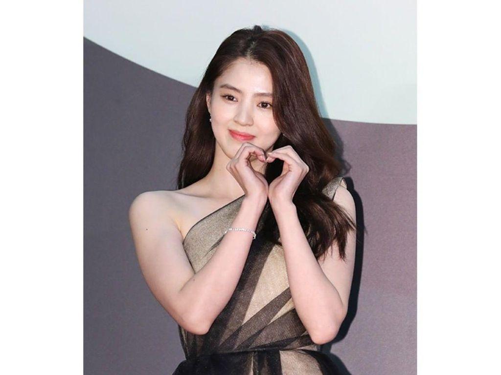 Deretan Gaya Aktris Korea Bergaun Mewah di Baeksang Awards 2020