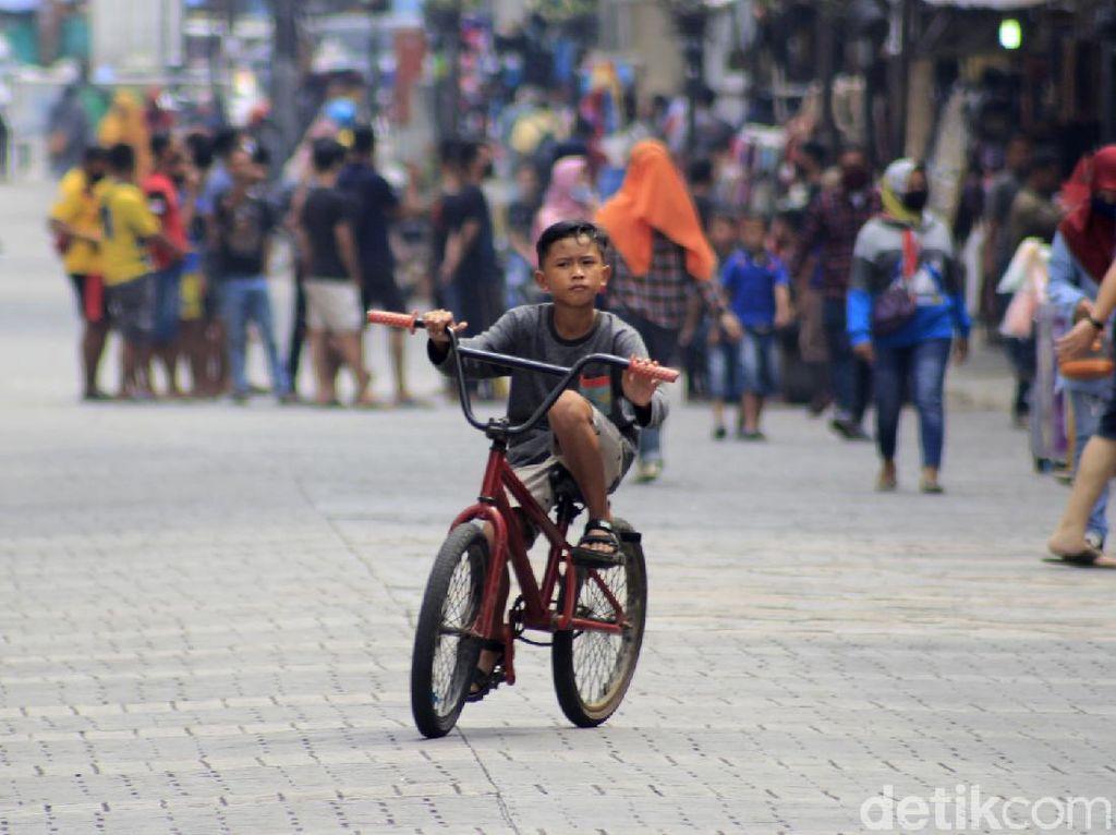 Pusat Nongkrong di Bandung Kembali Hidup di Akhir Pekan