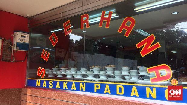 Sejumlah rumah makan di DKI Jakarta mulai menyiapkan penerapan protokol kesehatan untuk pembukaan operasional mulai Senin (8/6) pekan depan.