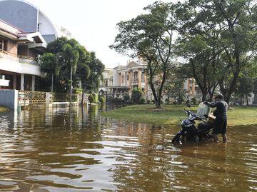 Banjir Rob Rendam Perumahan di Utara Jakarta