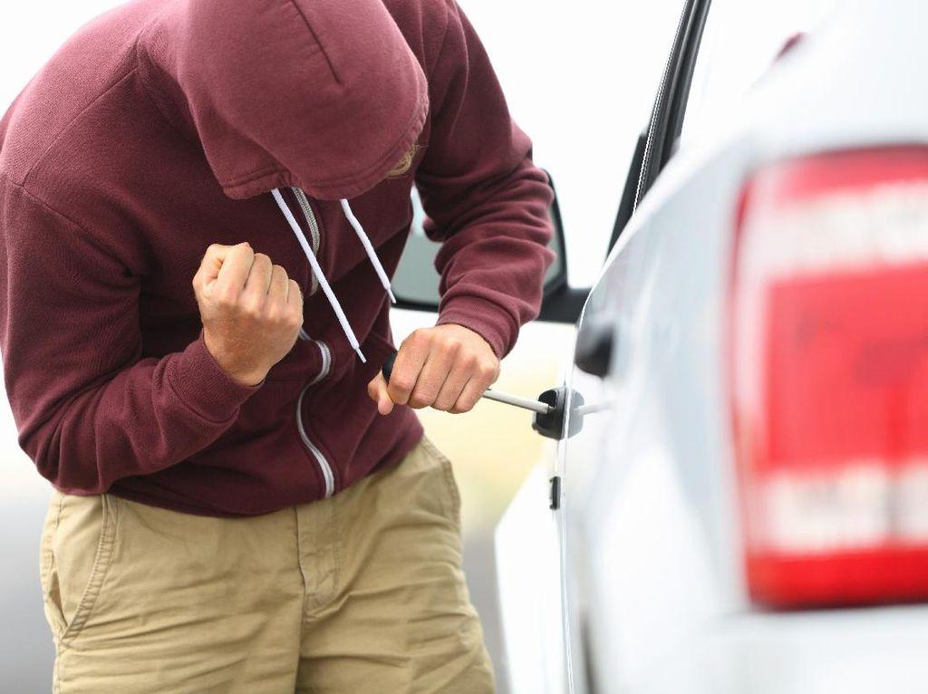 4 Tips Sederhana Agar Mobil Aman dari Pencuri
