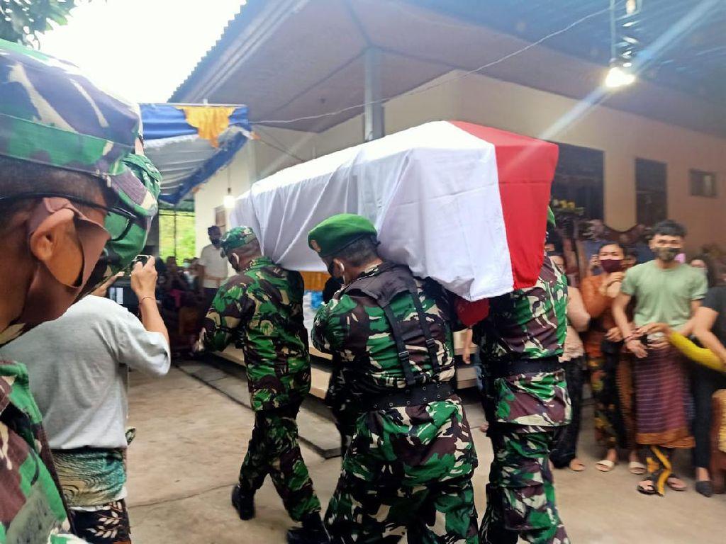 Jenazah Kapten Suardiasa Tiba di Rumah Duka Buleleng Bali
