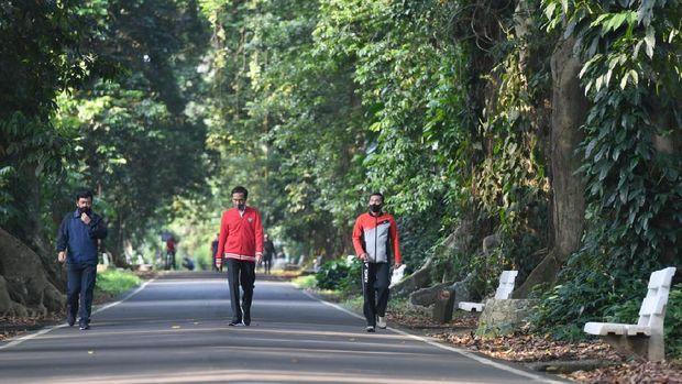 Jokowi olahraga di Istana Bogor bersama Panglima TNI dan Kapolri. (Foto: Biro Pers Sekretariat Presiden)