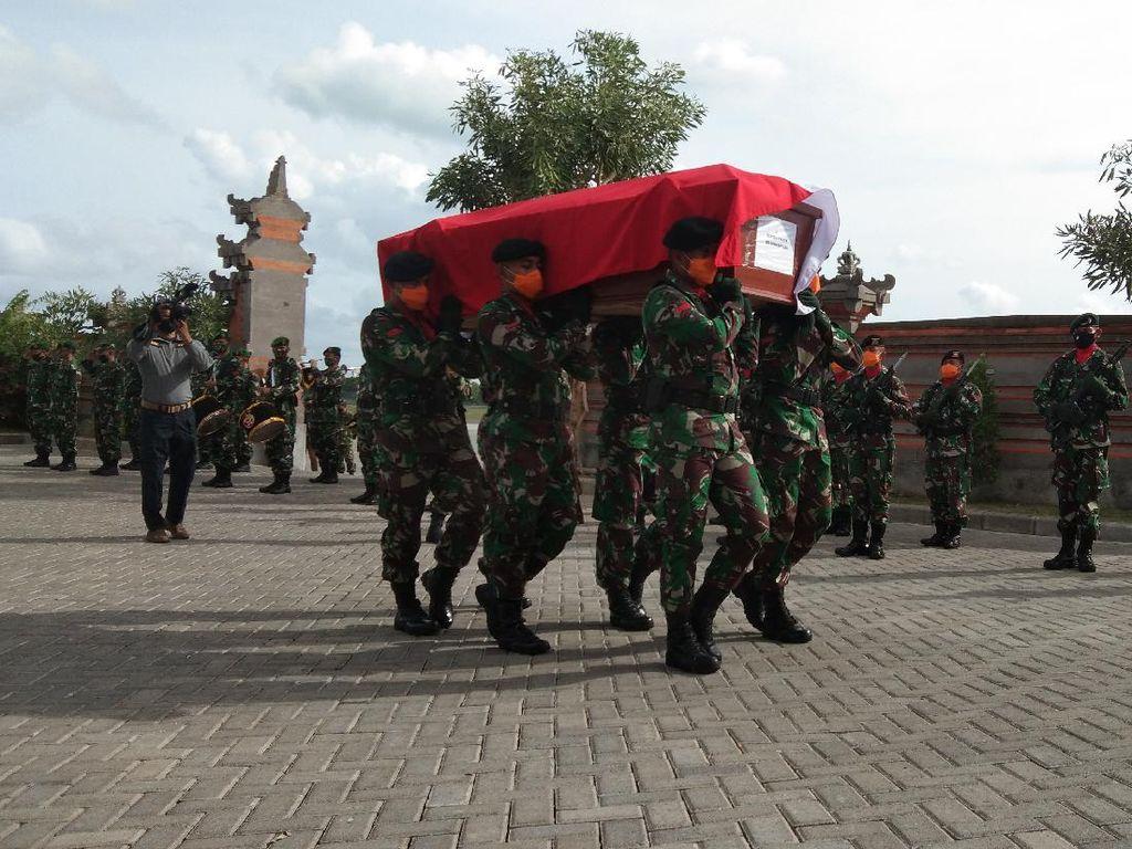 Jenazah Kapten Suardiasa Tiba di Bali, Pangdam Udayana Sampaikan Dukacita