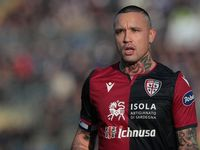 Lagi, Cagliari Resmi Pinjam Radja Nainggolan dari Inter Milan