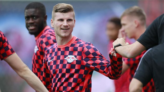 LEIPZIG, GERMANY - JUNE 06:  Timo Werner of RB Leipzig looks on during the warm up prior to the Bundesliga match between RB Leipzig and SC Paderborn 07 at Red Bull Arena on June 6, 2020 in Leipzig, Germany. (Photo by Hannibal Hanschke/Pool via Getty Images)