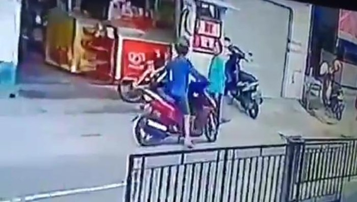Aksi seorang pria usai isi BBM langsung kabur tanpa membayar di Klaten, Minggu (7/6/2020).