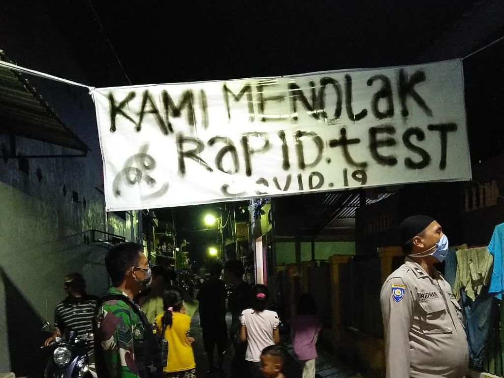 Gandeng TNI-Polri, Pemkot Makassar Turunkan Spanduk Warga Tolak Rapid Test