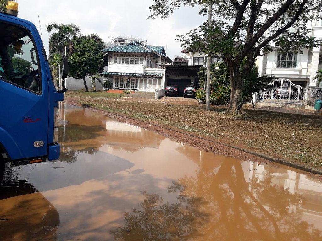 Banjir Rob di Kompleks Pantai Mutiara Mulai Surut