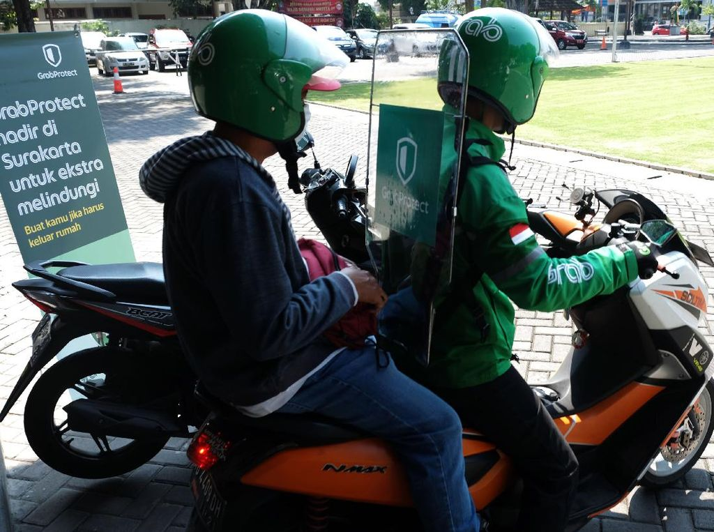 New Normal, GrabBike Anjurkan Penumpang Ojol Pakai Helm Pribadi