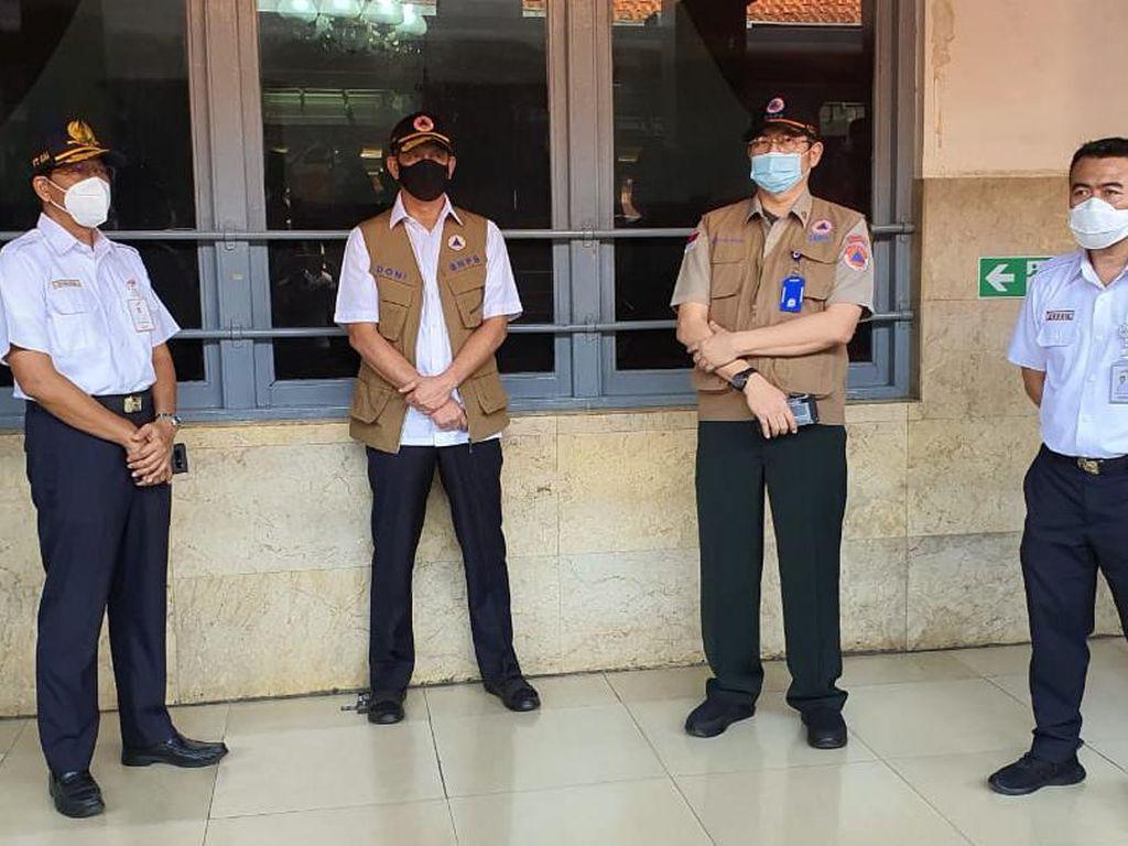 Cek Protokol Kesehatan di Stasiun Manggarai, Dirut KAI: Sudah Tertib