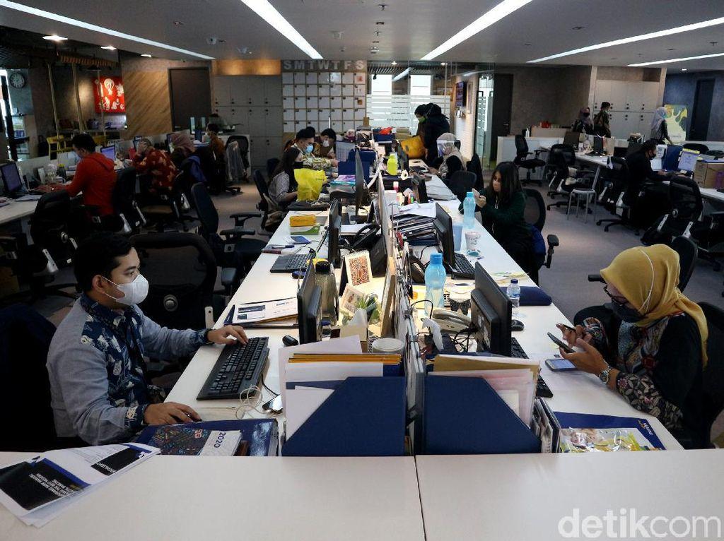 Dokter Paru Ingatkan Lagi Risiko Penularan Corona Airborne di Kantor