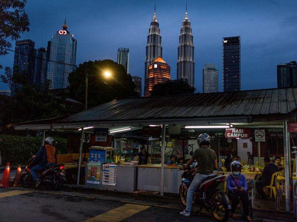 Malaysia Segera Buka Pasar hingga Salon, Taman Hiburan Nanti Dulu