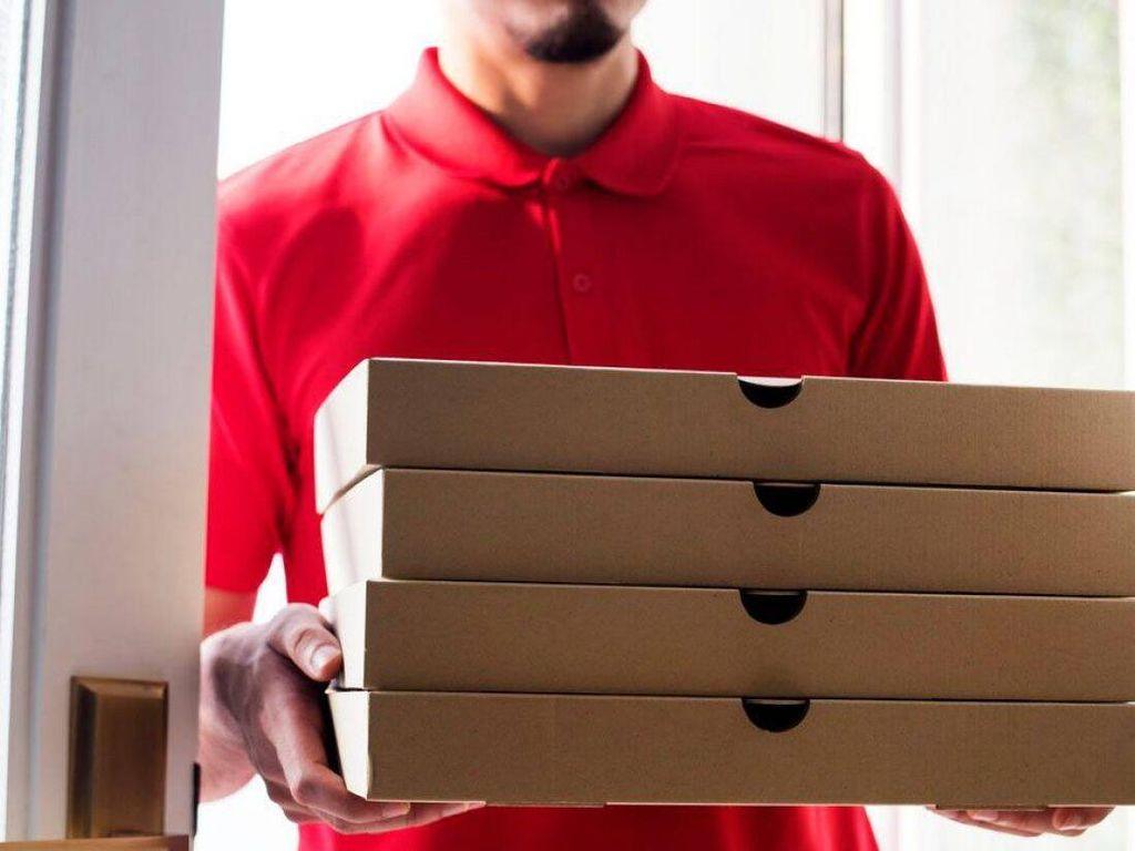 Hampir 10 Tahun Pria Ini Dapat Kiriman Pizza Misterius