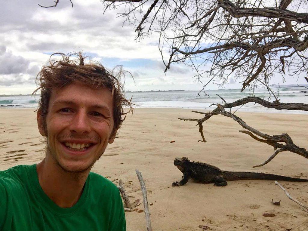 Terkurung di Pulau Terpencil, Pria Ini Berteman dengan Satwa Liar