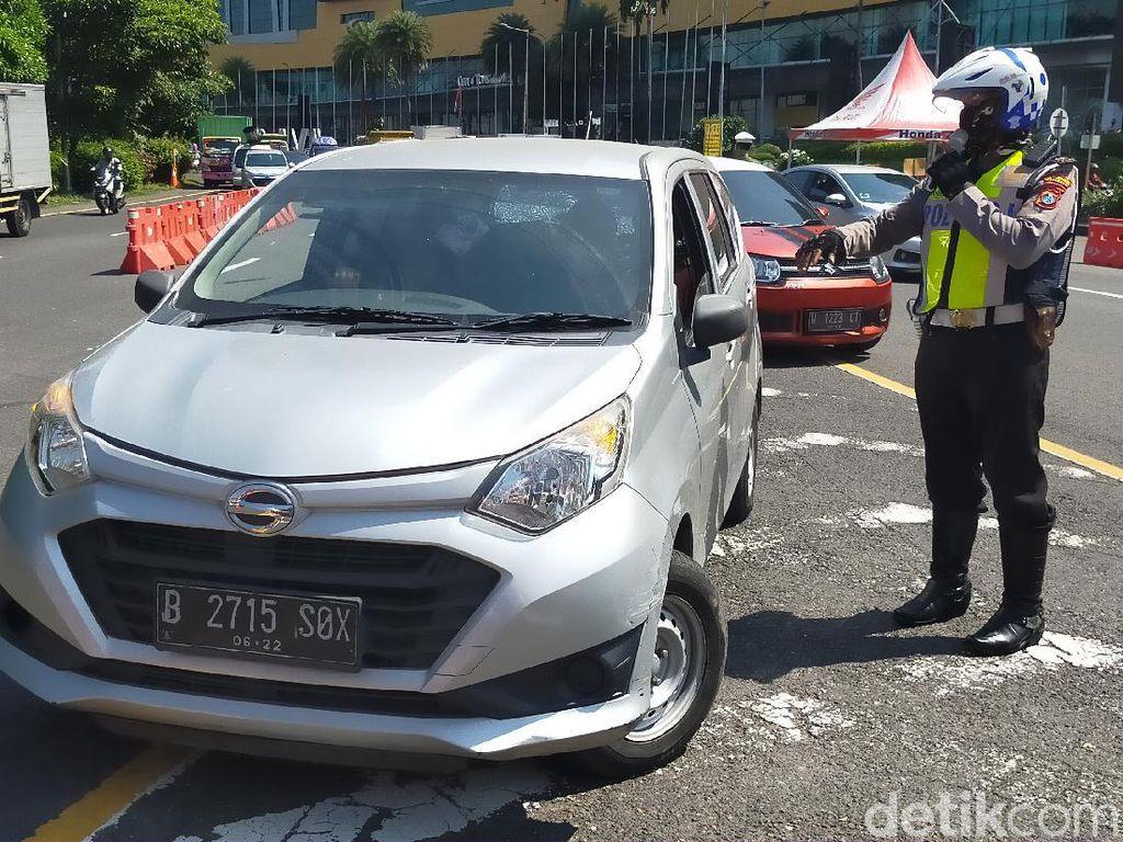 Hari Terakhir PSBB Surabaya Jilid 3, Pemeriksaan di Bundaran Waru Fleksibel