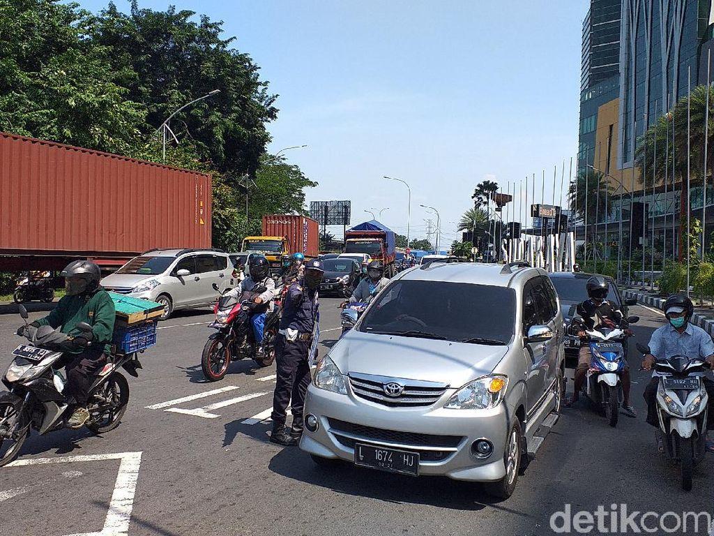 Pelanggar PSBB Surabaya Raya Capai 21.380, Terbanyak Tak Pakai Sarung Tangan