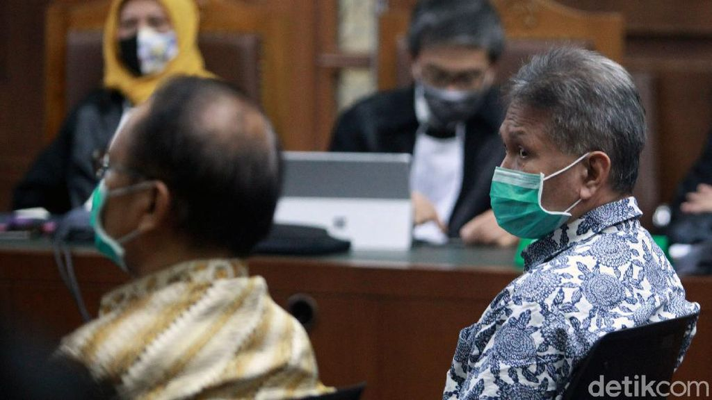 Tok! Dua Terdakwa Mega Korupsi 37,8 T Dituntut 12 Tahun Bui