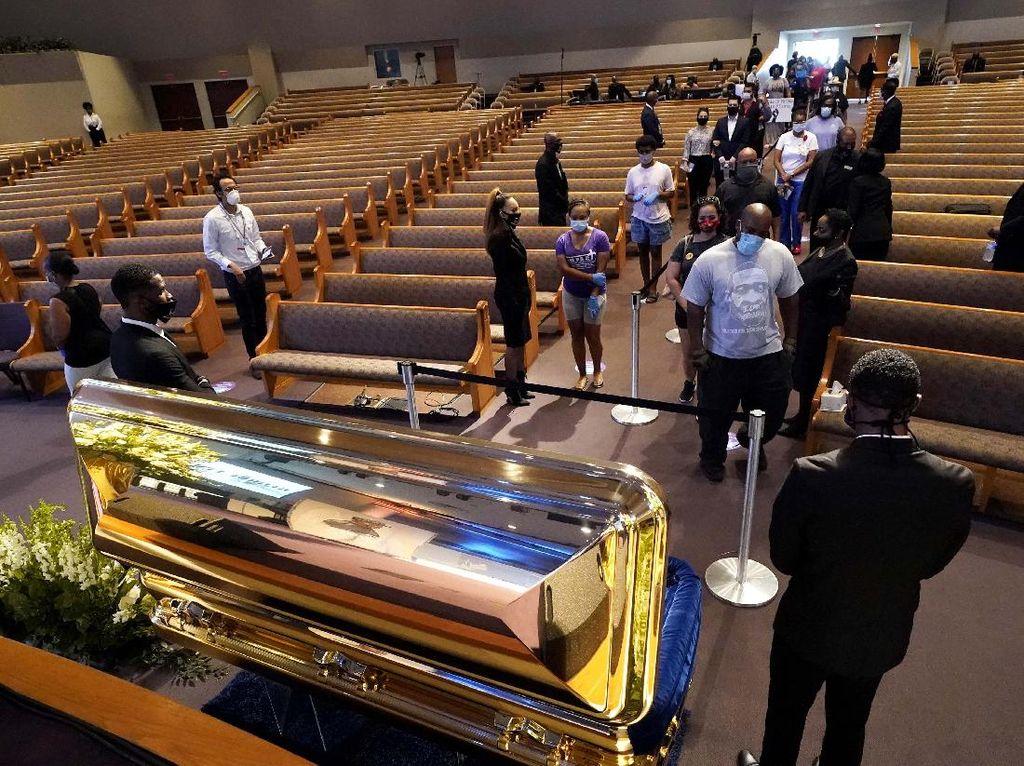 Video Iring-iringan Polisi Kawal Pemakaman George Floyd