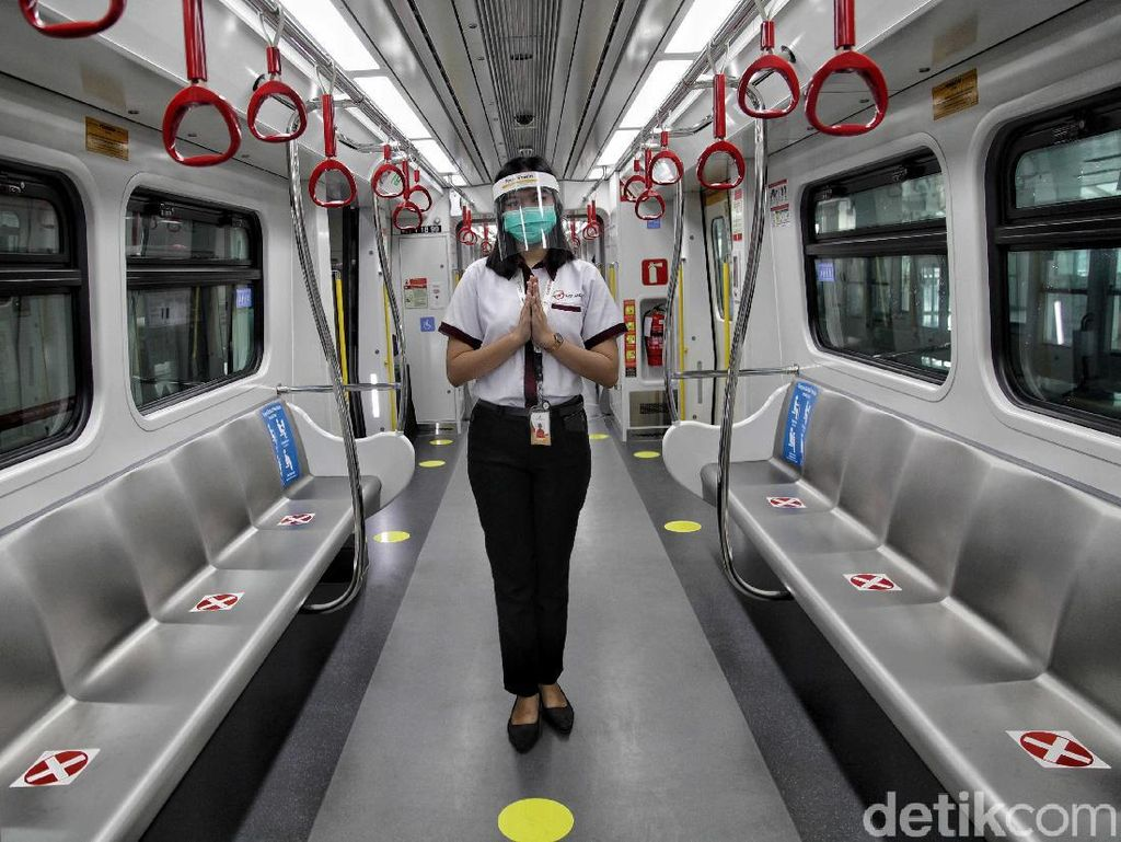Begini Penerapan Protokol Kesehatan di LRT Jakarta