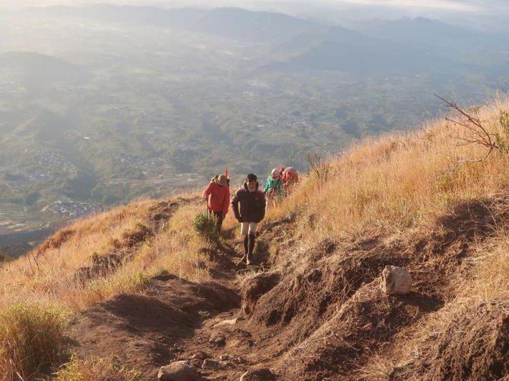 Cerita Pendakian Gunung Sumbing Lewat Jalur Kaliangkrik