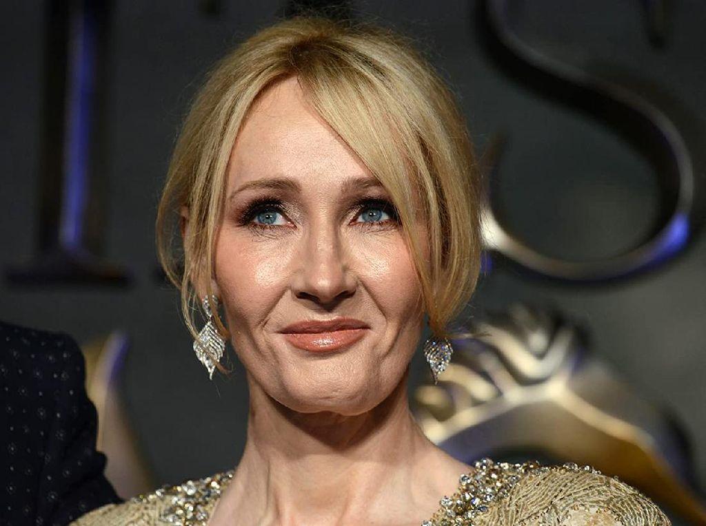 JK Rowling Posting Teaser Novel Cormoran Strike, Fans Heboh