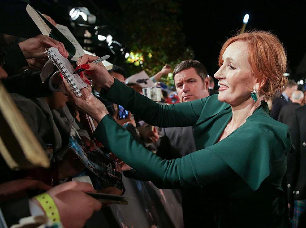 Sederet Bintang Harry Potter Tolak Pendapat JK Rowling soal Antitransgender
