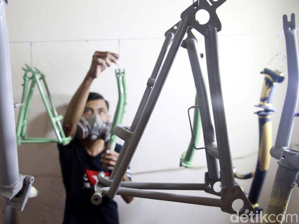 Melihat Salon Sepeda Kelas Premium Brompton