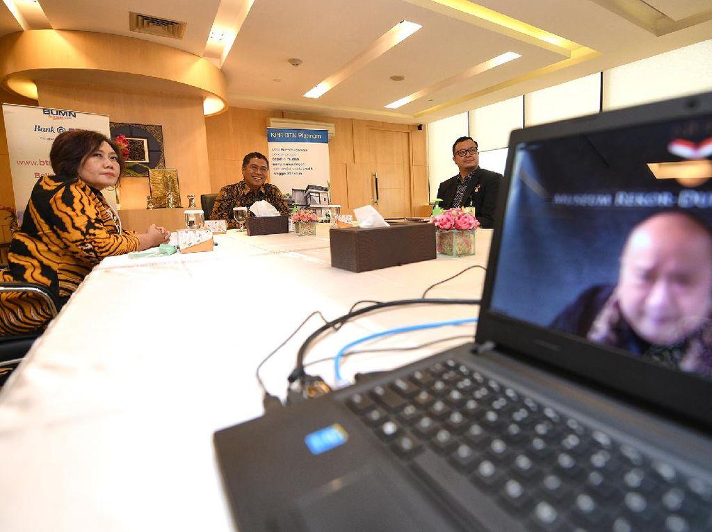 Penghargaan MURI untuk Peserta Webinar Terbanyak